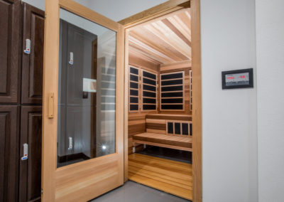 Club Maui sauna