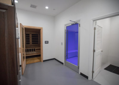 Club Maui steam room and sauna